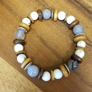 Agate & Howlite beads, wood & silver bracelet.
